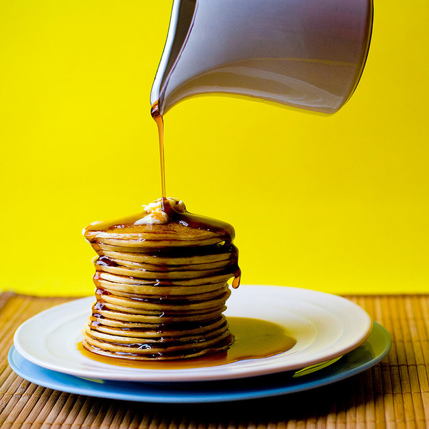 Sunday Breakfast: Easy Weekend Pancakes + Fruit