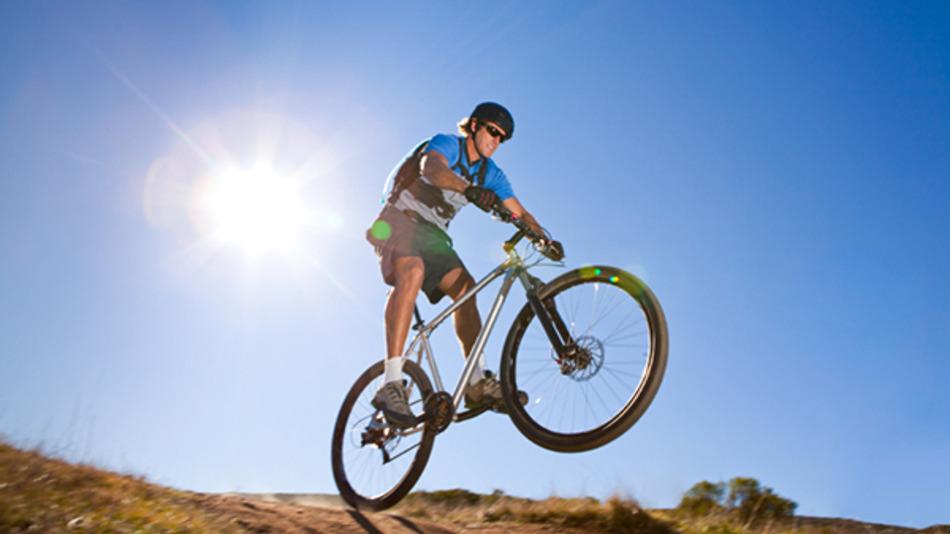 Iphone-powered-bike-trainer-lets-you-ride-virtual-roads-cf18061b20