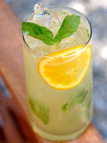 5. Citrus Greening: Orange Juice and Mojitos